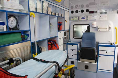 Interior de ambulancia